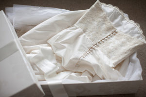 wedding_dress_in_box